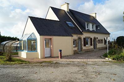 Maisons carhaix lannilis finist re centre bretagne for Carhaix piscine