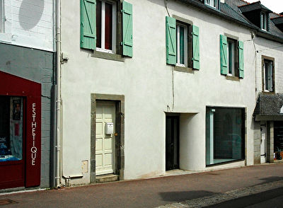 Ensemble Local commercial et appartement T4 Duplex