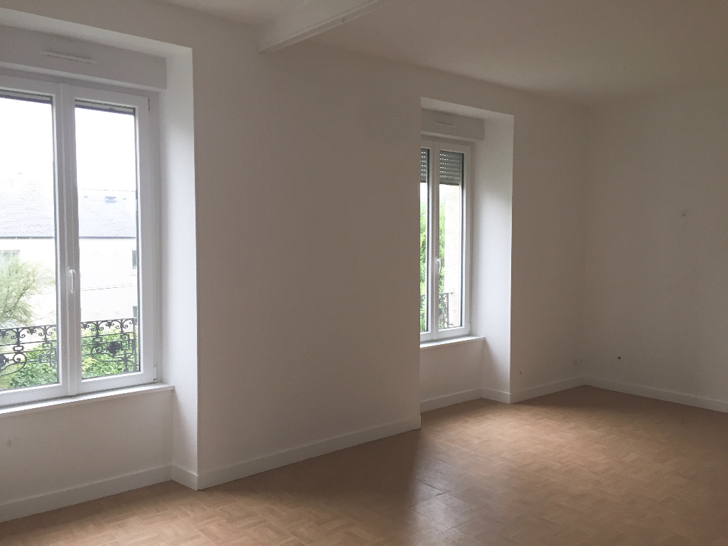 APPARTEMENT T3 LESNEVEN CENTRE
